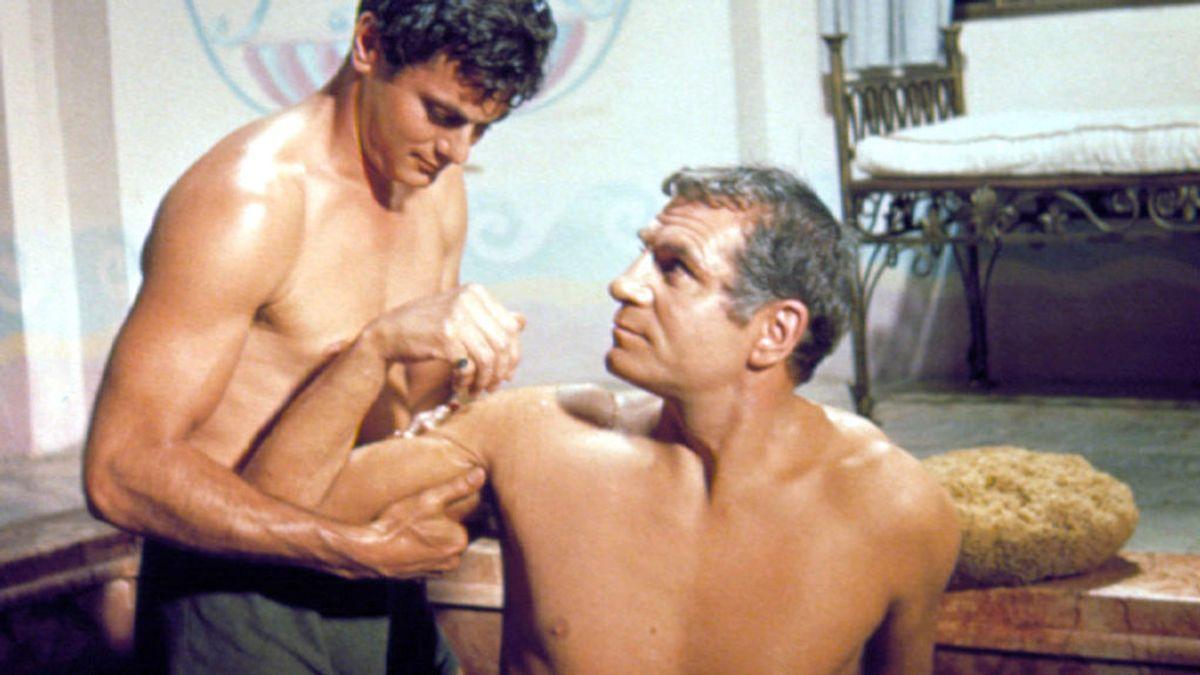 Tensión sexual y censura en Hollywood durante la escena de los caracoles y las ostras de 'Espartaco'