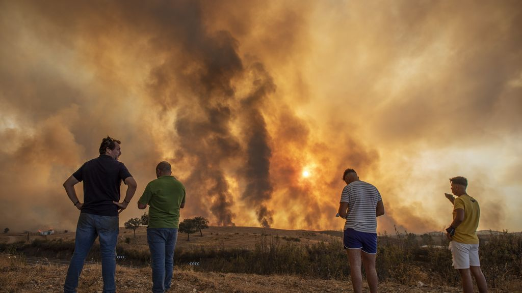 Más de mil hectáreas calcinadas en Huelva en un incendio que aún no está controlado