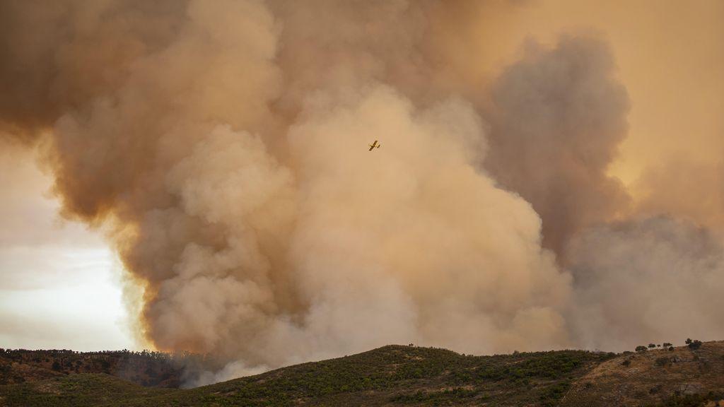 Declarado el nivel 2 por el incendio de Almonaster que ha provocado el desalojo de 500 personas