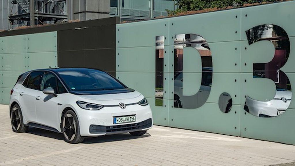 Tener el ID.3, el primer automóvil eléctrico de Volkswagen, puede costarte sólo 369 € al mes