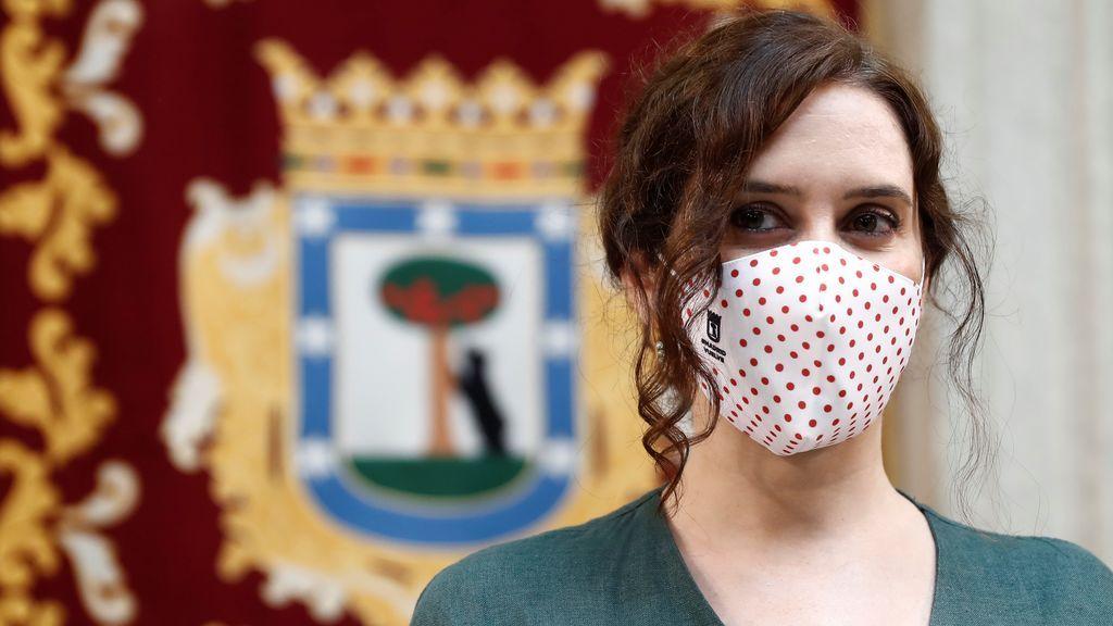 """Ayuso asegura que la Consejería de Sanidad estudia """"una especie de operación retorno"""" para frenar el virus"""