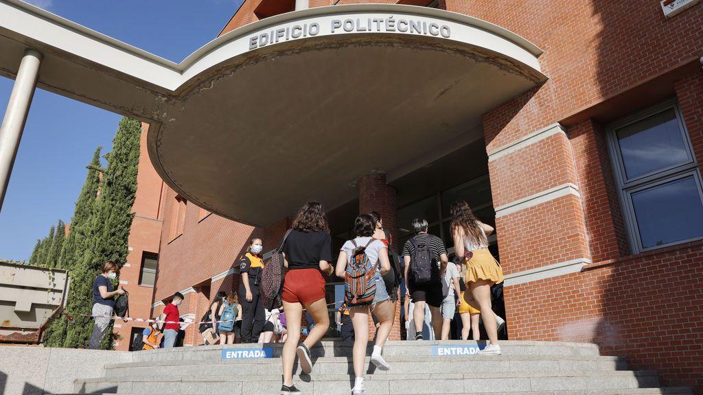Equipamiento para clases en remoto y límites de aforo: las universidades madrileñas se adaptan a la Covid-19