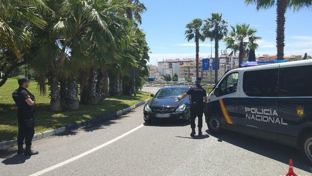 Hallan el cadáver de un joven en un chalet de Marbella con un disparo en la cabeza