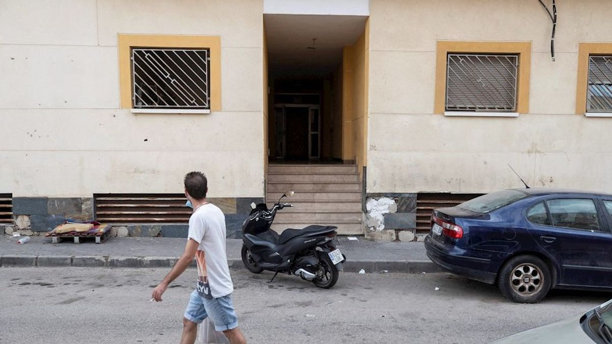 Detenido el hombre que se dio a la fuga tras asesinar a puñaladas a su mujer en la localidad murciana de Águilas