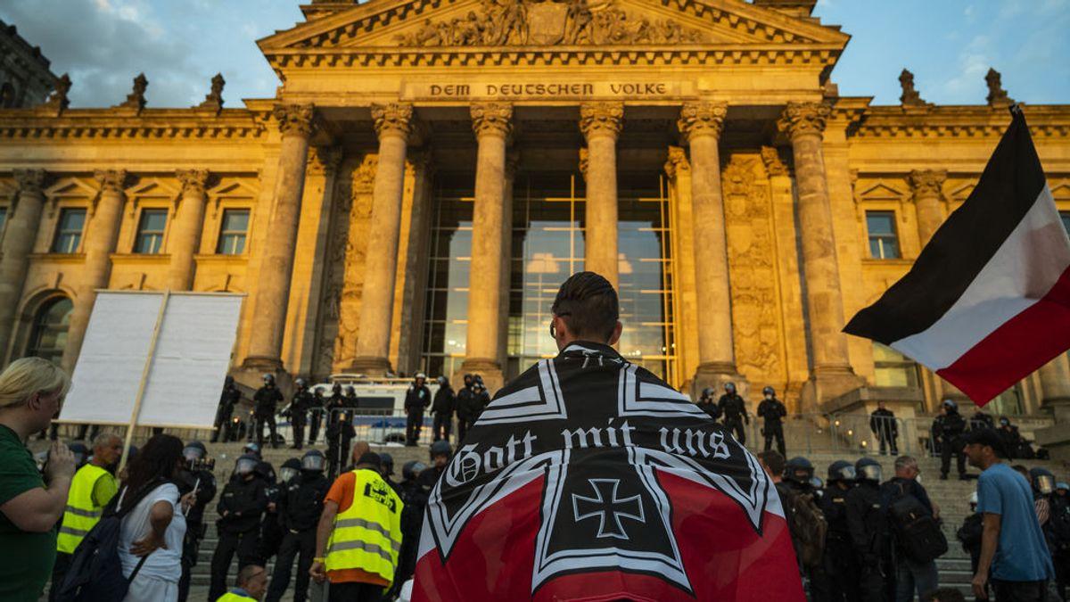 La Policía alemana presenta 131 cargos penales contra los 316 detenidos en la protesta negacionista del sábado