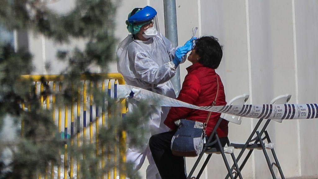 Andalucía supera los 60 pacientes en UCI por COVID-19 y baja a 413 hospitalizados, tres menos en 24 horas