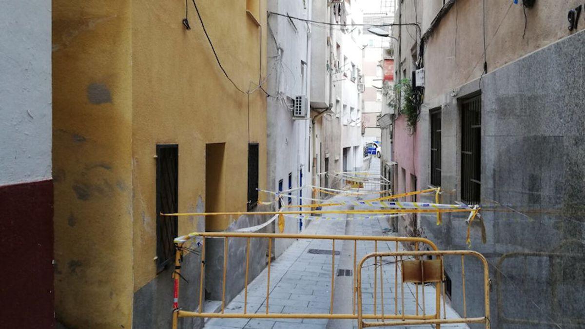 Desalojados una veintena de vecinos por riesgo de derrumbamiento del edificio donde viven en Barcelona