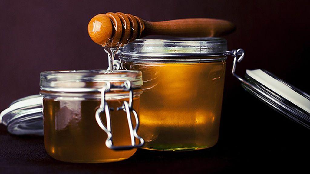 3 mascarillas caseras con miel para la cara que le encantarán a tu piel