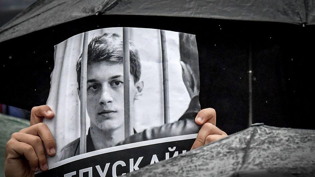Un youtuber ruso crítico con el Kremlin, herido tras una brutal agresión