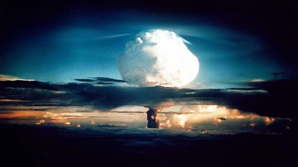 En la Tierra ha habido casi 2.500 ensayos nucleares: así repercuten todavía en la atmósfera