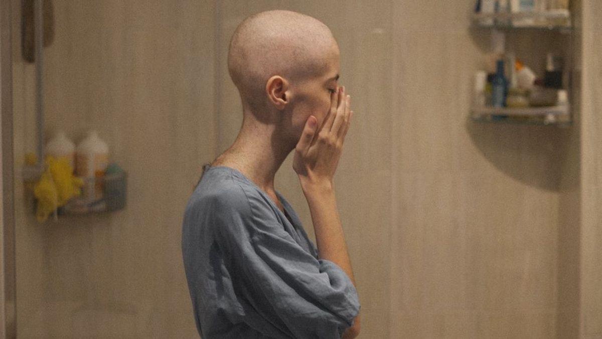 Una joven denuncia que le diagnosticaron cáncer tarde por culpa del coronavirus