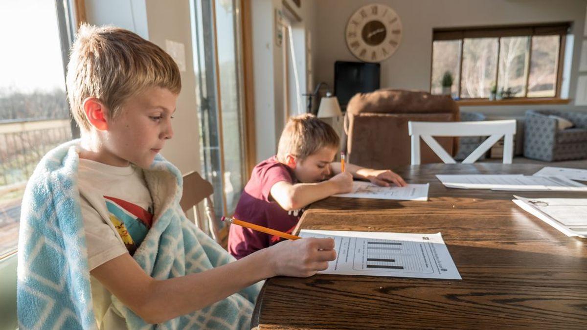 Consecuencias legales de no llevar a tu hijo al cole:  multas o penas de hasta seis meses de prisión
