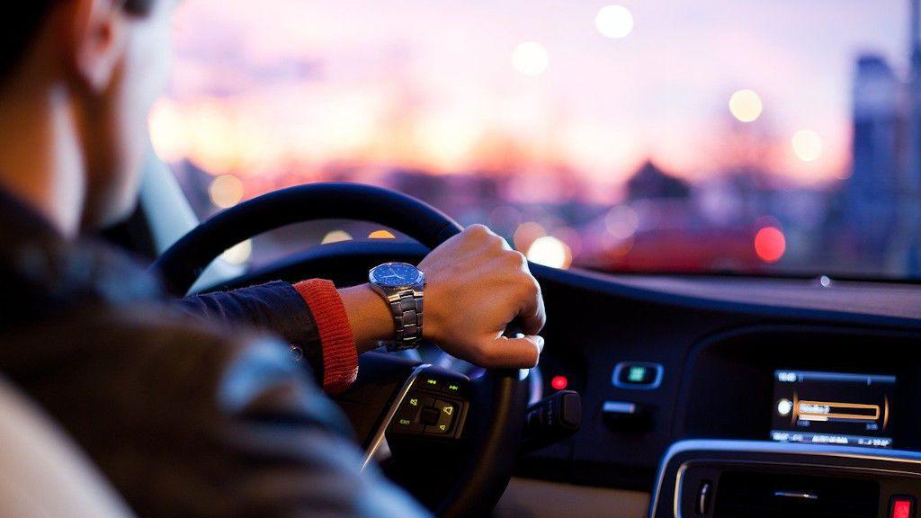 Trucos de conducción en coches para ahorrar gasolina
