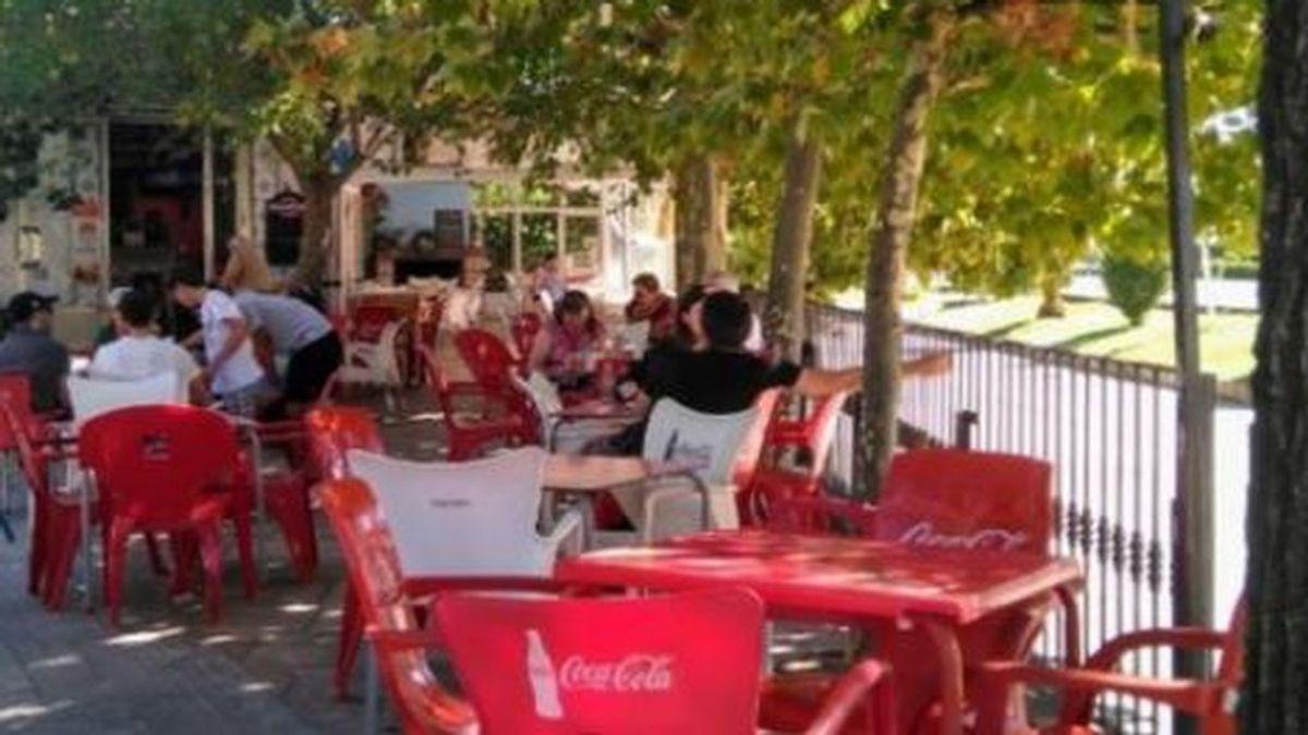 El alcalde de un Ávila  dicta un bando para localizar a los clientes de un bar ante un posible brote de Covid-19