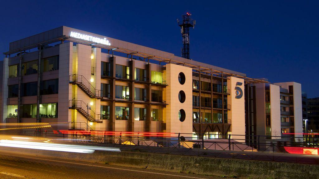 Telecinco cumple dos años de liderazgo ininterrumpido, con la mayor ventaja en agosto sobre Antena 3 desde 2011