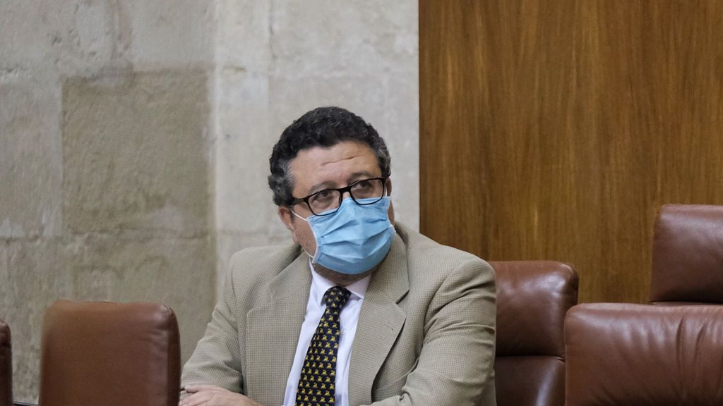 """Serrano deja su escaño en el parlamento andaluz con reproches a Vox: """"No merece la pena"""""""