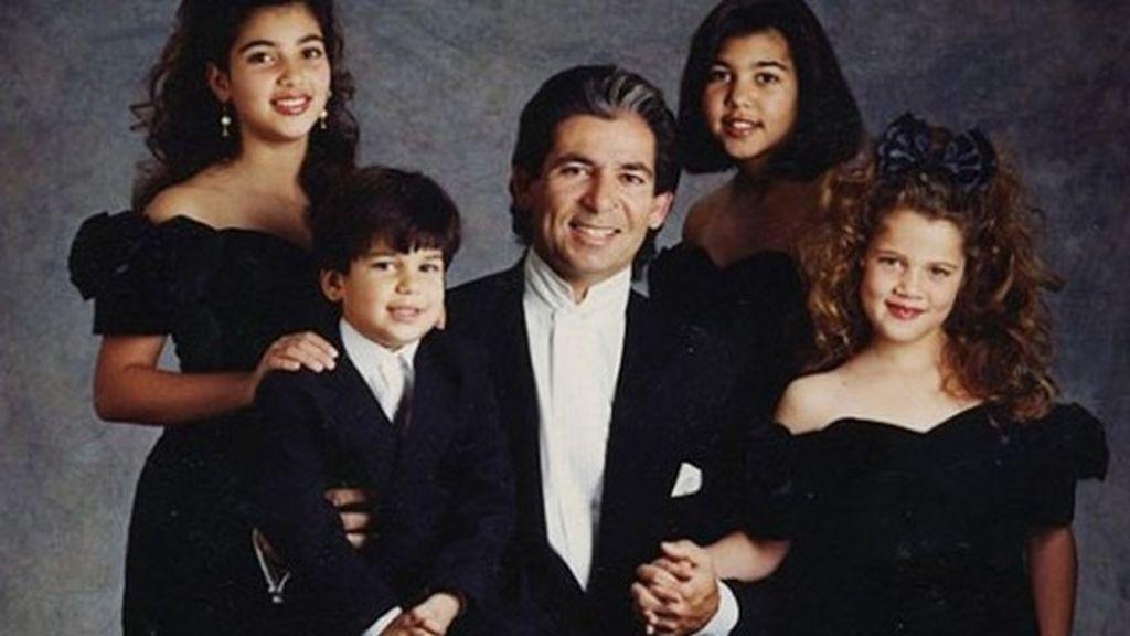 Junto a Robert, Kris tuvo cuatro hijos; Khloé, Kim, Kourtney y Rob.