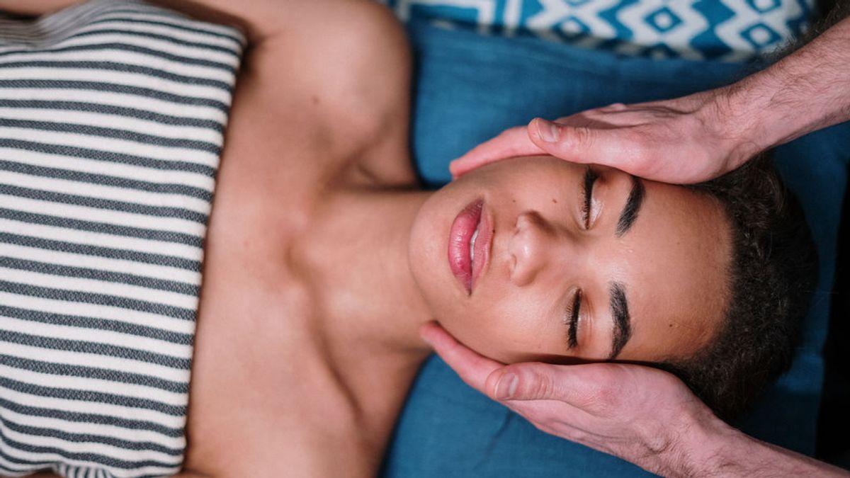 Masaje facial: tu aliado para aliviar el estrés en la cara
