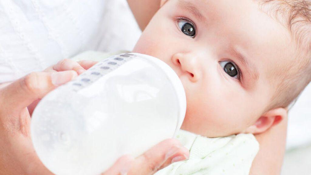 Como calentar un biberón (fórmula o leche materna).
