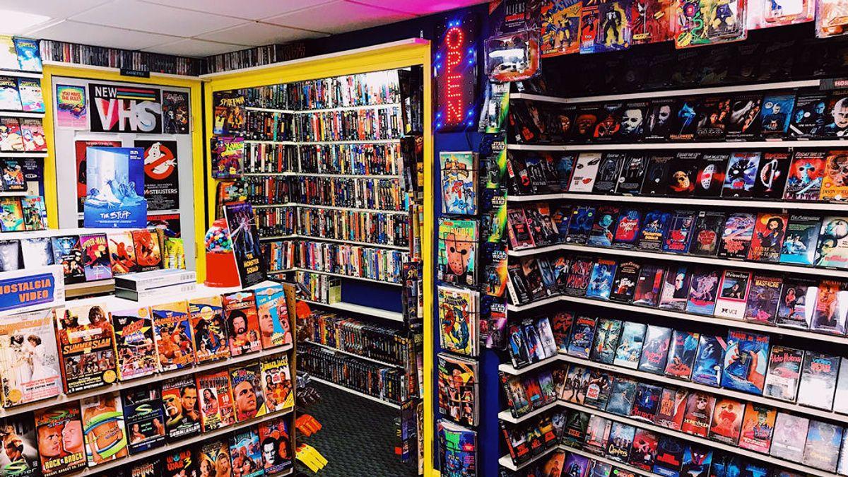 La reinvención forzosa de los videoclubs: lotería, snacks y un grupo de whatsapp para sobrevivir