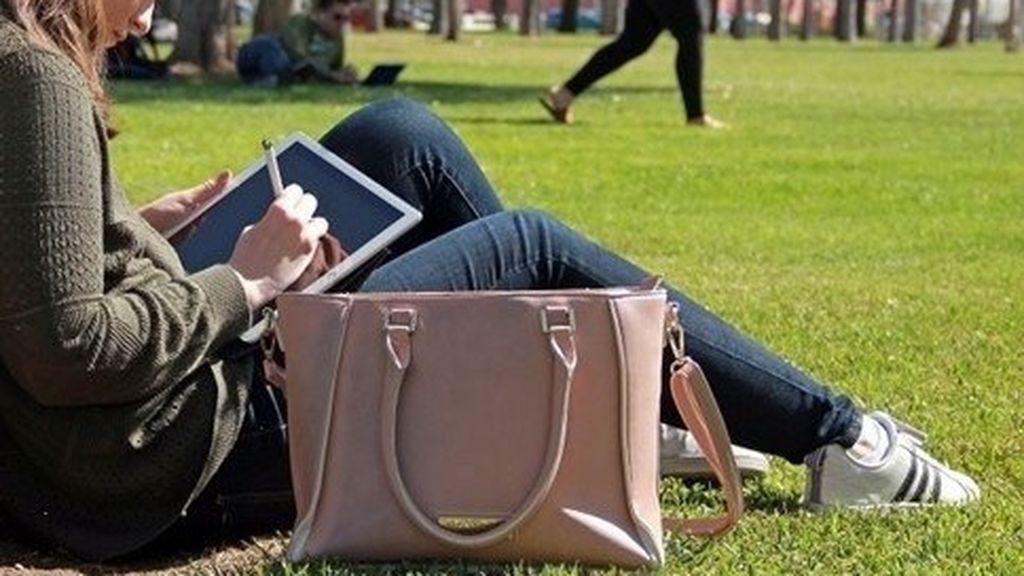 """Los universitarios madrileños comenzarán el curso de forma escalonada e """"híbrida"""""""