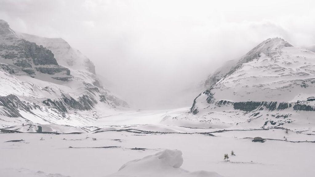 Los vaqueros ensucian el Ártico: encuentran microfibras de ropa en el lago más remoto