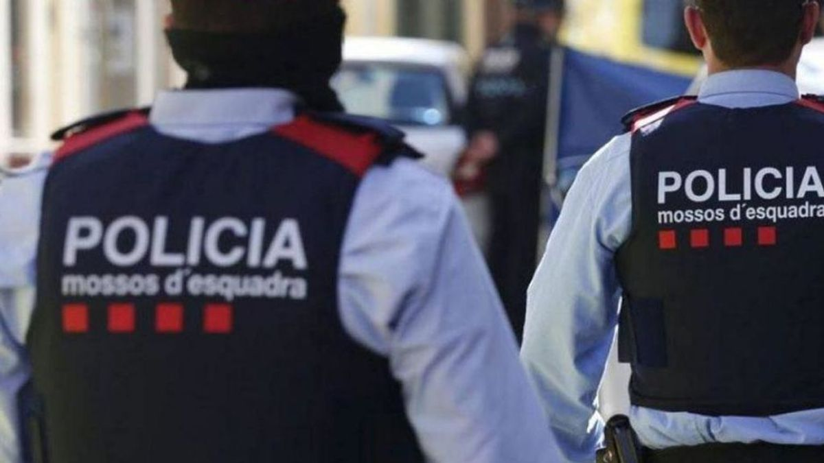 Detenidos tres agentes de los Mossos por presuntamente colaborar con traficantes de droga en Girona
