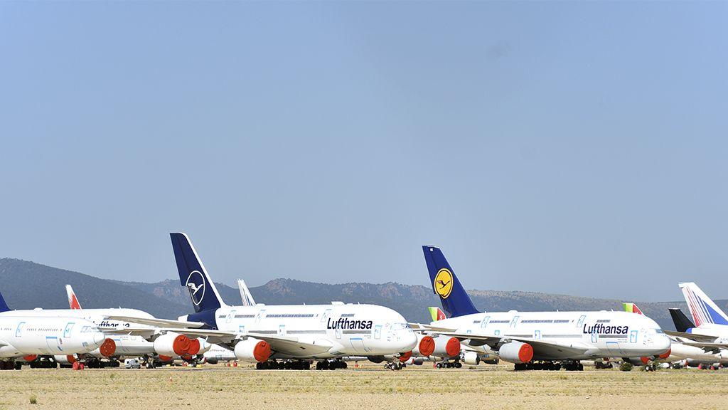 A380 estacionados en el aeropuerto de Teruel