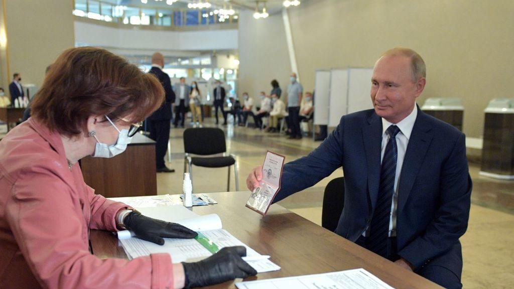 """Putin no iba de farol: los resultados de la vacuna rusa apuntan a que """"es segura y genera anticuerpos"""""""