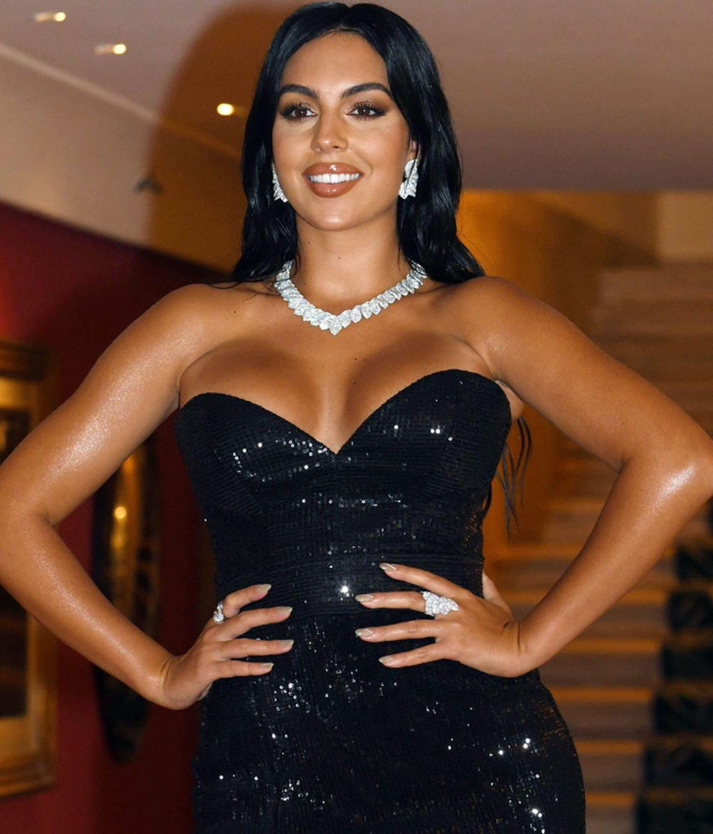 Georgina Rodríguez, con uno de sus llamativos looks en el Festival de Venecia
