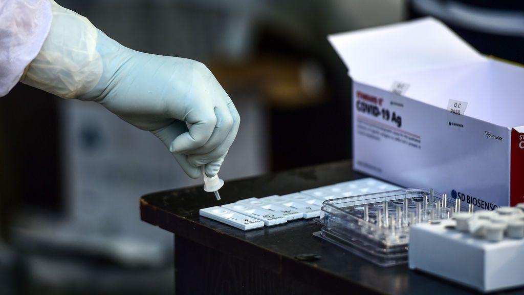 Cómo son los nuevos test rápidos de antígenos que va a empezar a usar Madrid