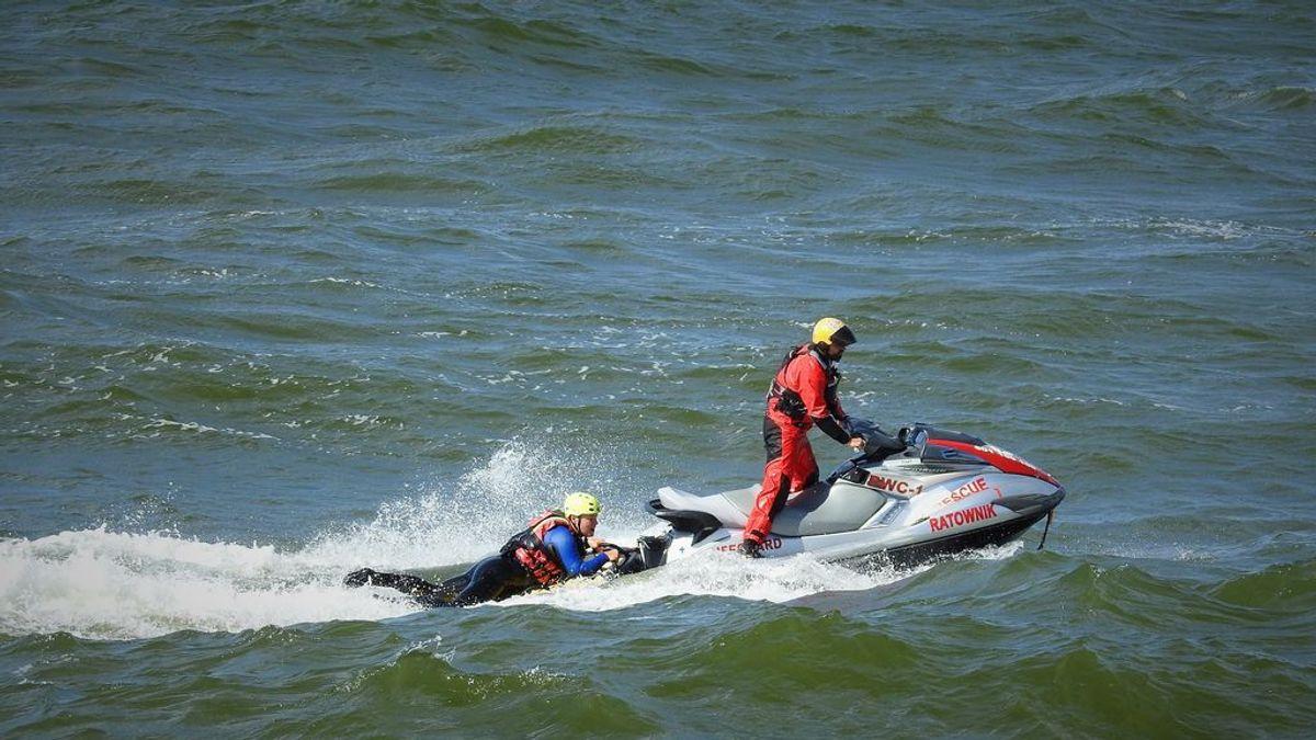 Unos terraplanistas, rescatados en alta mar tras perderse cuando intentaban demostrar que la Tierra es plana