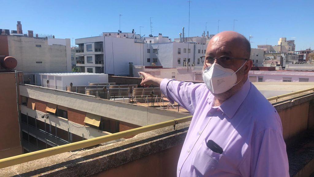 Un barracón en la azotea: la nueva clase de los alumnos de un colegio de Valencia