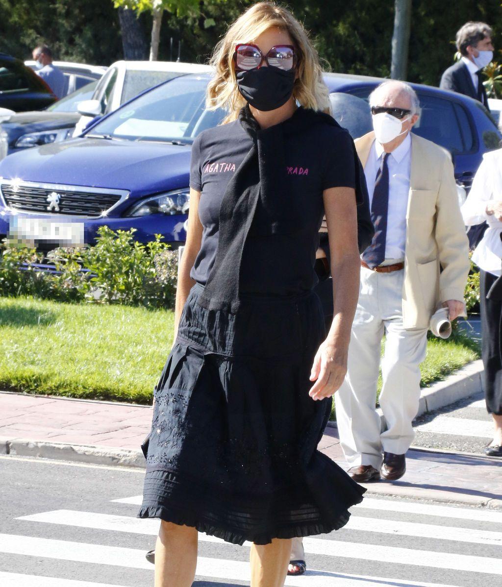 Ágatha Ruiz de la Prada solo viste de negro, su color prohibido, en los velatorios
