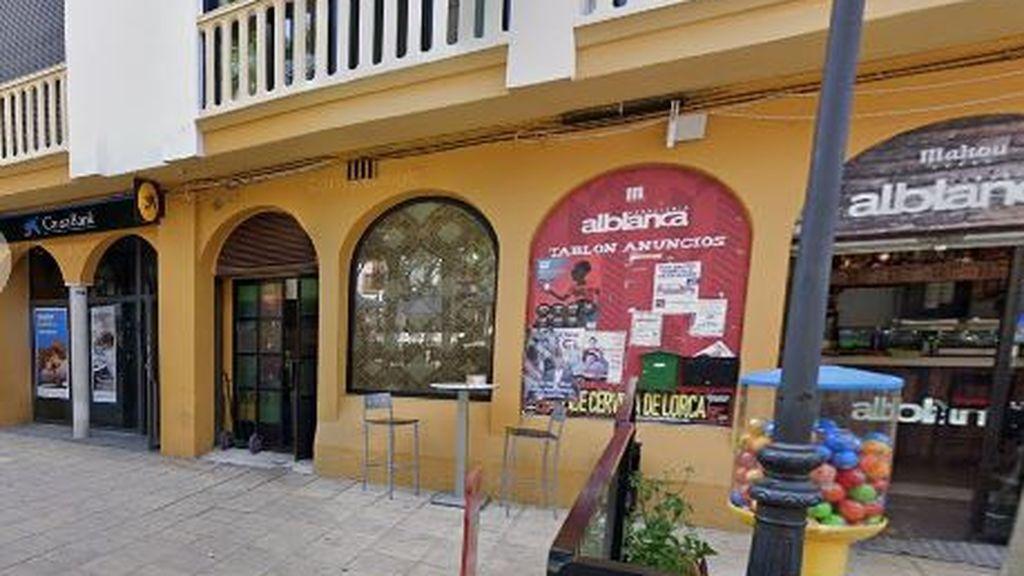 Detenida un joven en Lorca por abandonar a su bebé en un cajero automático