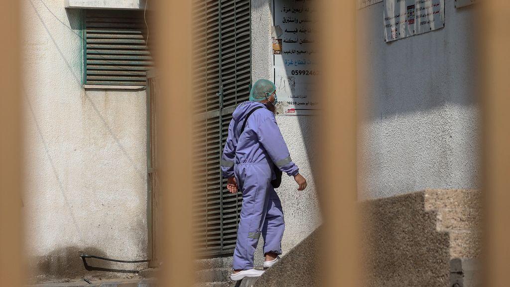 Gaza seguirá sin clases mañana por cierre para contener el brote de coronavirus