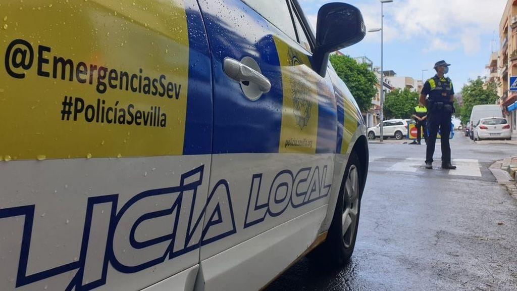 Sevilla suma 162 denuncias en dos días por consumo de alcohol en la calle y la omisión de la mascarilla