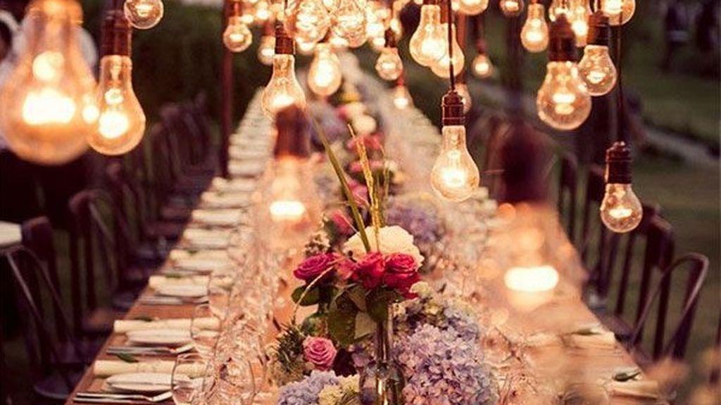 Debido a que será una boda con menos invitados, el presupuesto en catéring y espacio será mucho menor.