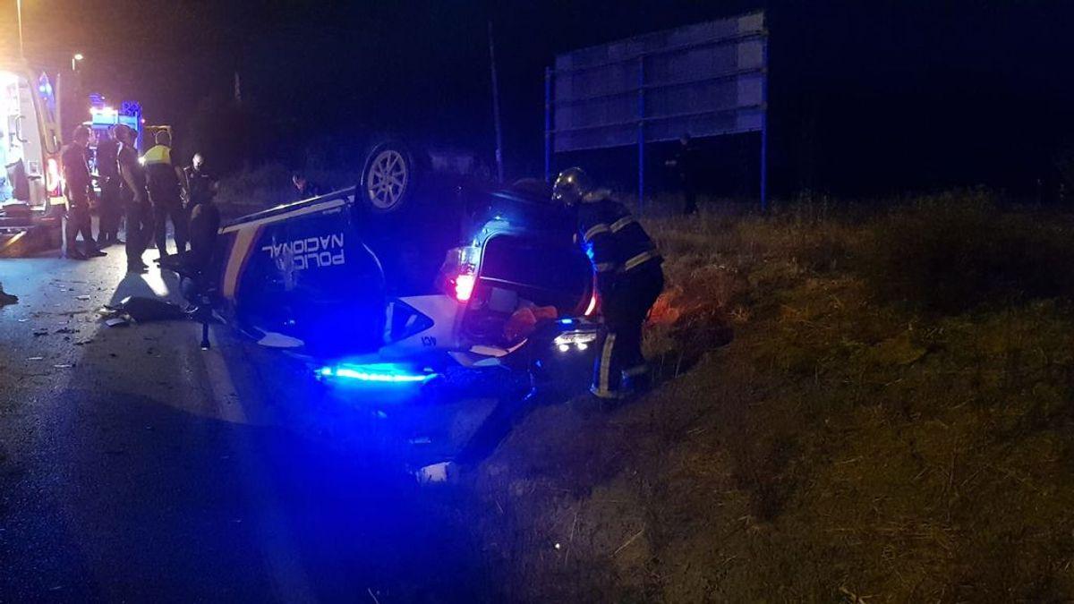 El inspector de Policía herido grave por la embestida de un narco en coche está en la UCI pero su vida no peligra