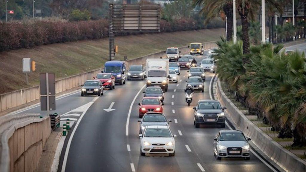 Las carreteras catalanas viven uno de los días más complicados de todo el verano con retenciones de hasta 18 kilómetros