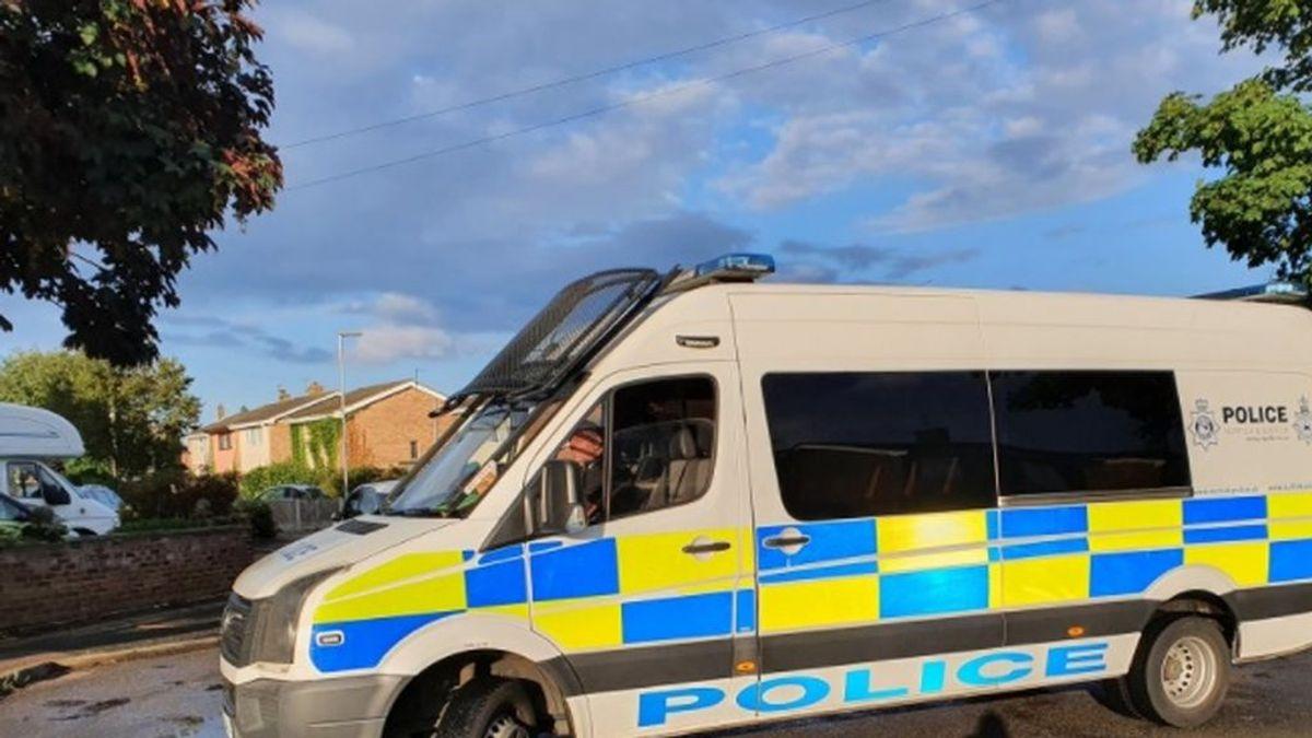 Agresion sexual a una niña de tres años en Reino Unido: el principal sospechoso, un hombre de 60 años