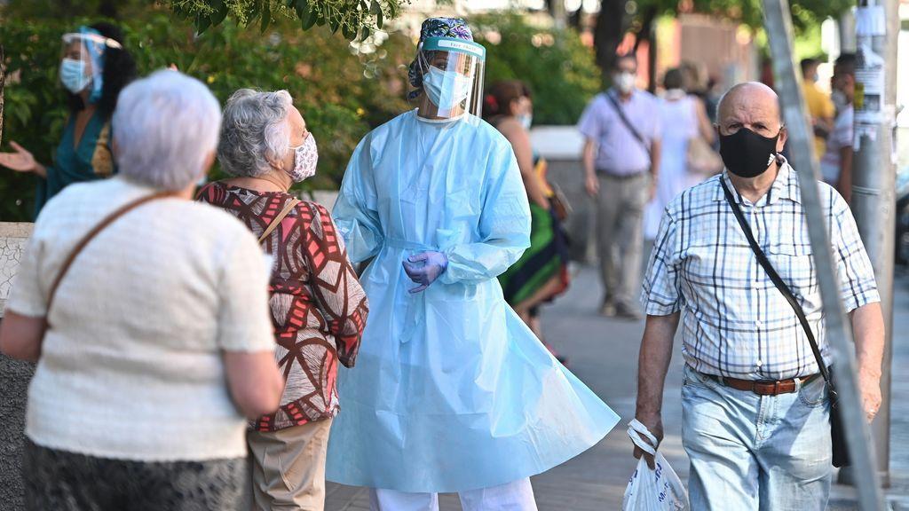 Crece la presión en los hospitales con más de 4.000 nuevos positivos mientras España entra oficialmente en una segunda ola de contagios