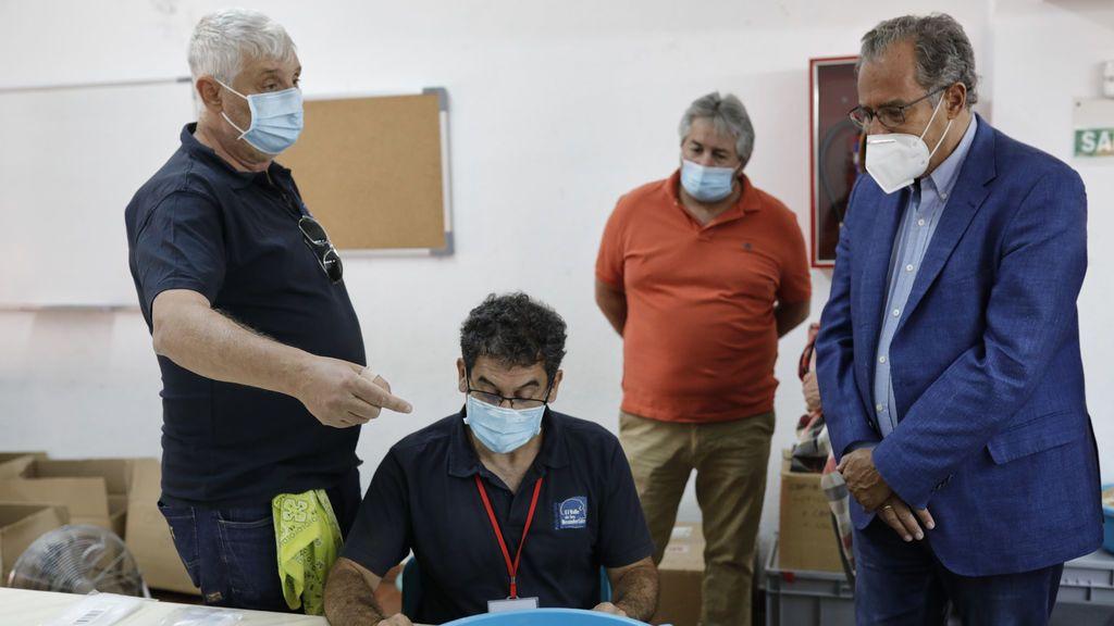 Entre 2.000 y 2.500 docentes de Madrid tienen que someterse a una PCR tras dar positivo en los test