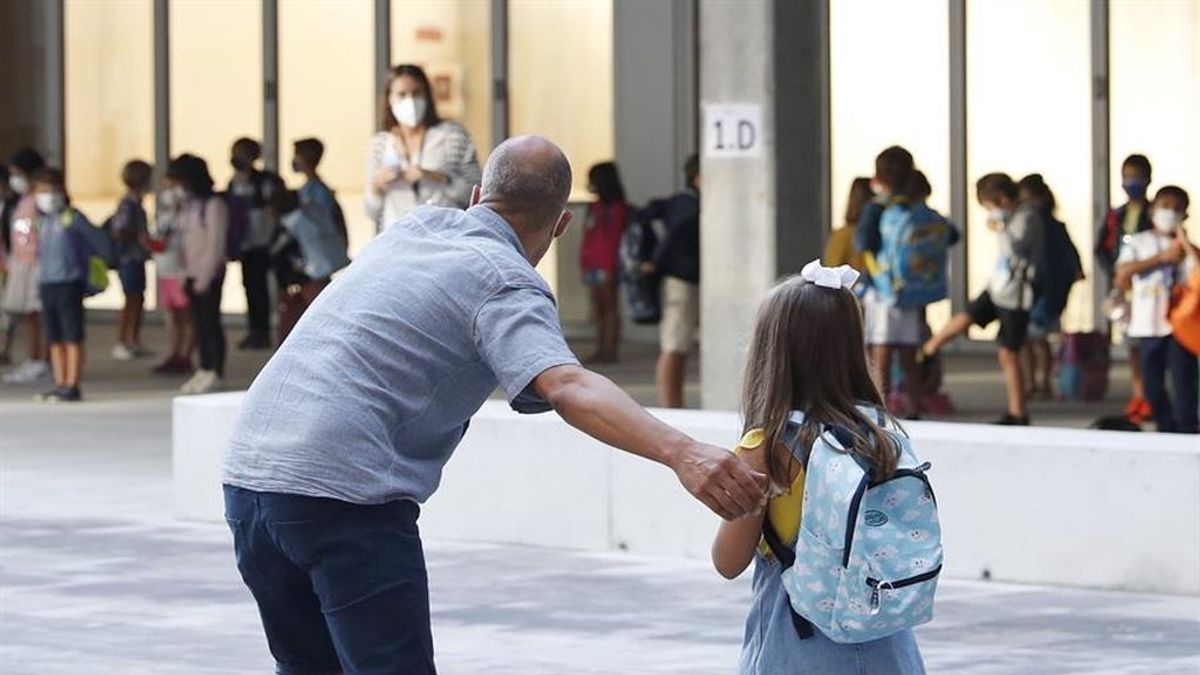 Miles de niños de primaria vuelven desde hoy al cole