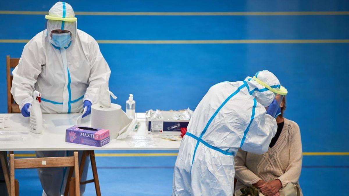 Sanidad suma 26.560 nuevos contagios y 98 muertos más por covid19 este fin de semana