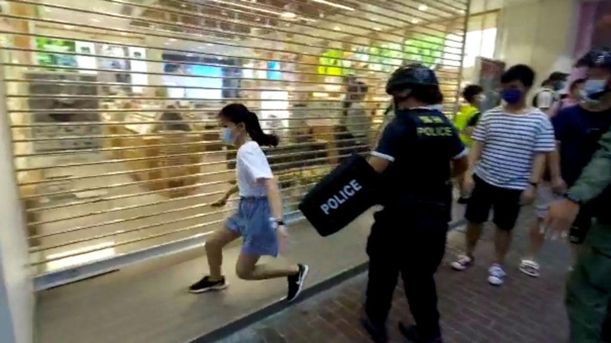 Indignación en Hong Kong tras el violento arresto policial de una niña de 12 años