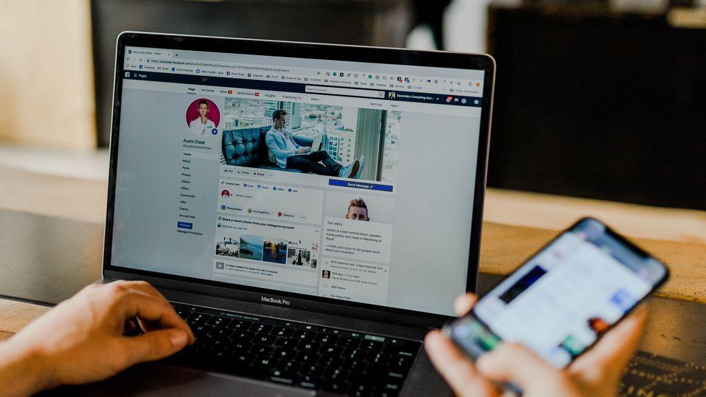 Ahora Facebook te deja transferir tus fotos y vídeos a Dropbox y Google Fotos. ¿Cómo hacerlo?