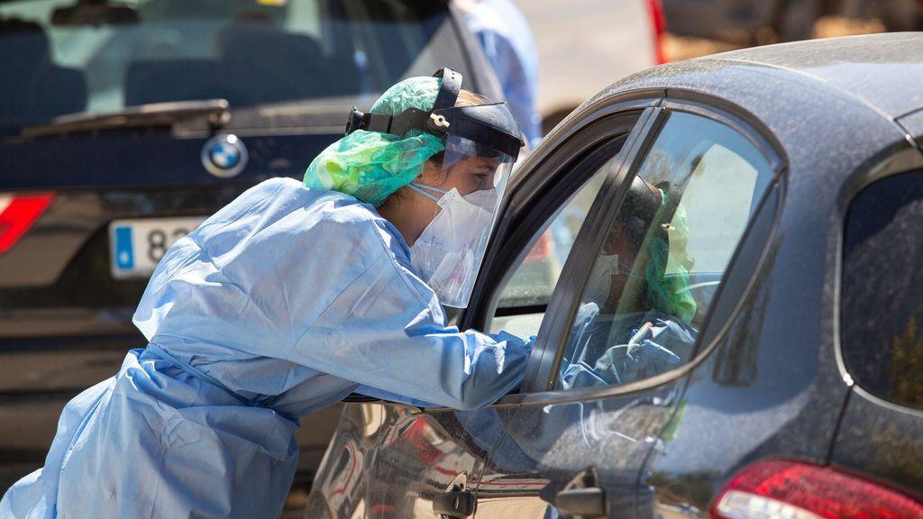 Sanidad reporta 26.650 contagios de coronavirus y 98 muertos en el fin de semana