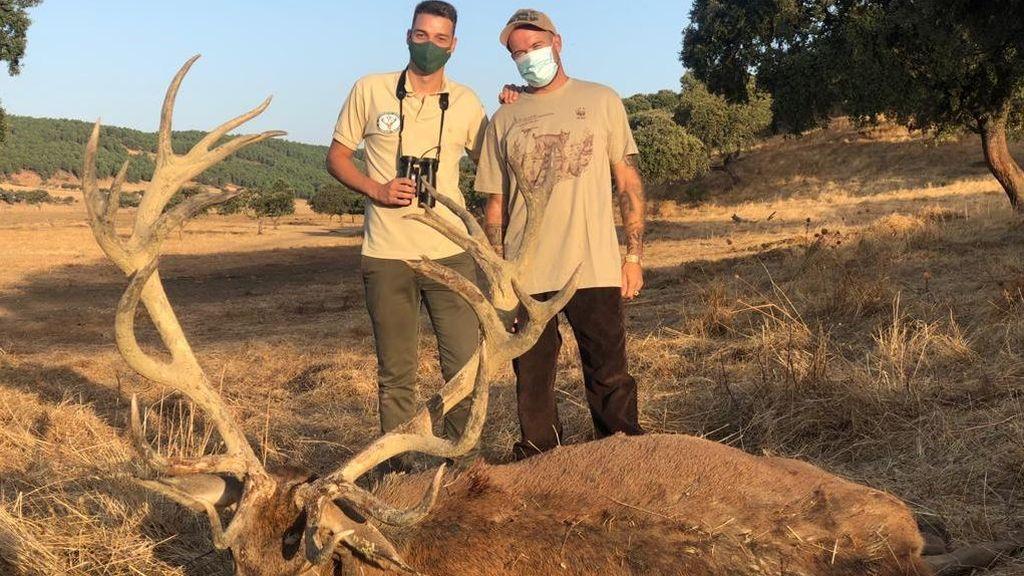 """Los cazadores del venado de 25 puntas: """"Estamos orgullosos y no nos tenemos que justificar por nada"""""""