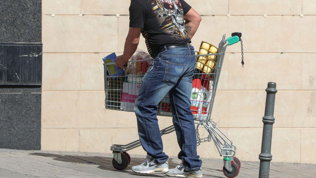 Un año y medio llevándose la compra del supermercado gratis gracias a la cajera